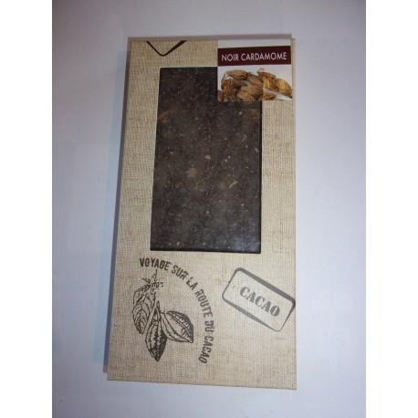 Tablette dégustation noir 78% cacao à la poudre de cardamome